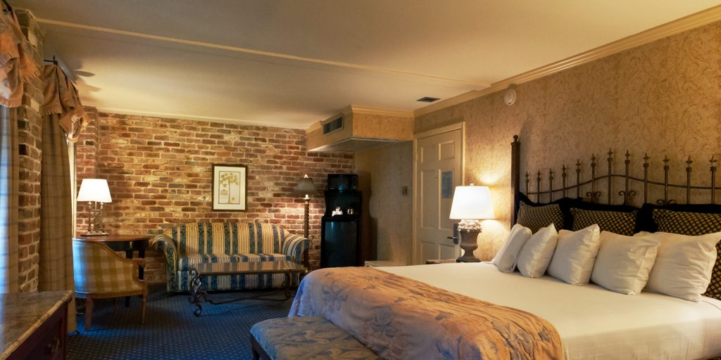New Orleans charming hotel room